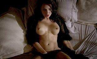 Jessica Marais  nackt