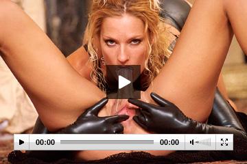 Teen hot girl on girl lesbians sex tape video